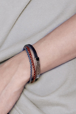 LAYERD LEATHER TWIST BRACELET레이어드 레더 트위스트 팔찌[one color /one size]